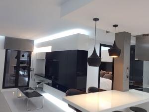 3D-Diseño-Interiores-3D-Studio-Max-Vray-CQInteriorismo-Carlos-Quijorna-3D-Visualiser-3D-Visualizer-salón-de-diseño-minimal-reformar-piso-2.jpg